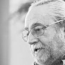 El poeta y editor Jesús Munárriz (Foto extraída de www.elheraldo.hn)