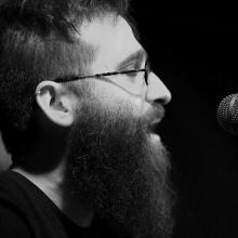 Andrés Sudón, poeta invitado en el Ciclo Versos sobre el Pentagrama (Foto extraída de https://twitter.com/andressudon)