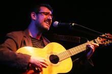 El poeta y cantautor Rafa Mora